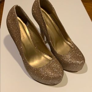 Call It Spring Gold Sparkly Platform Heels 7.5